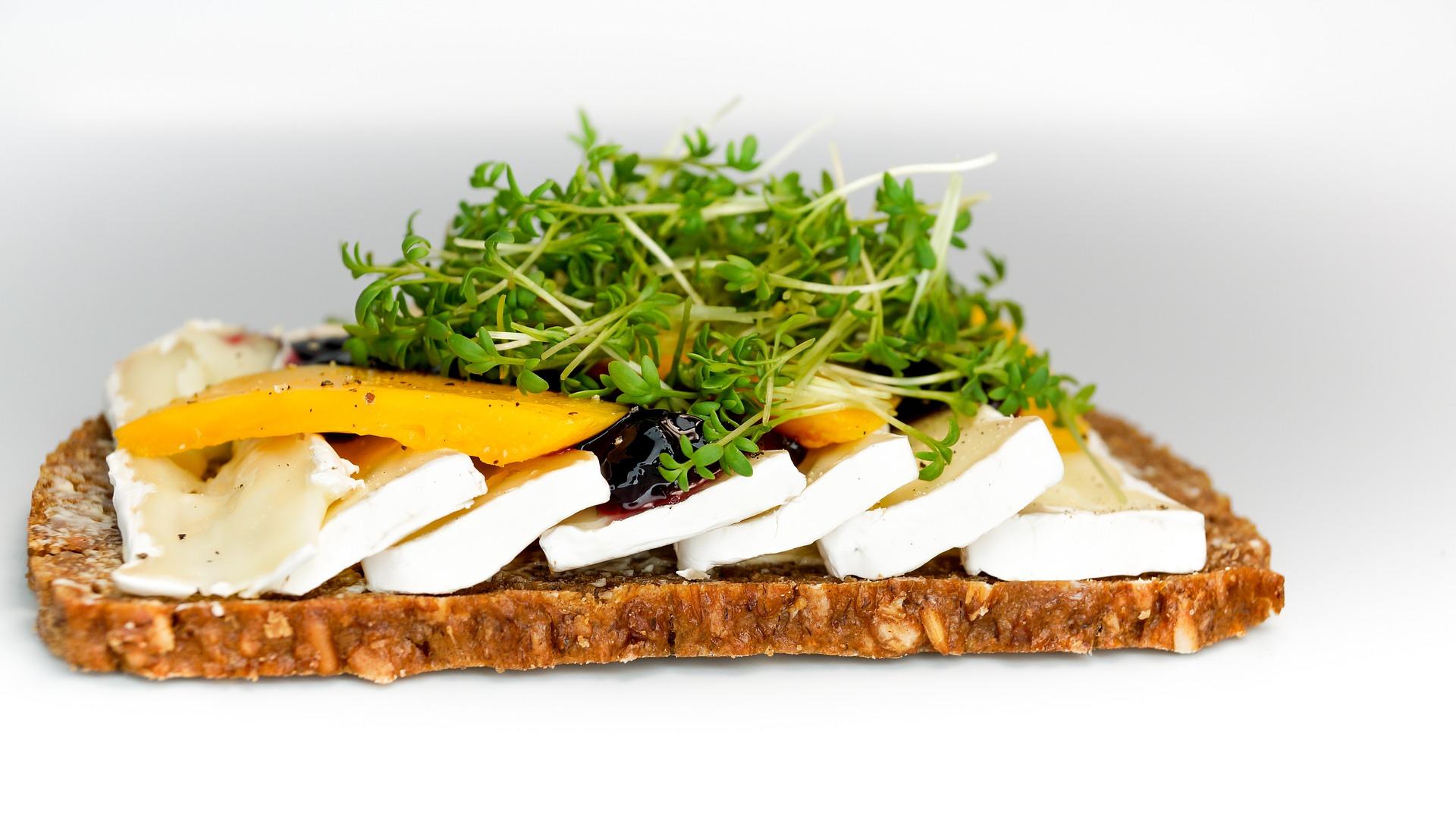 Бри (Brie) — состав, калорийность сыра, польза, вред, вино к сыру — Cheezu.ru
